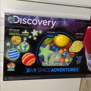 ✨NWT Discovery Create Glowing Constellations 8+⭐️